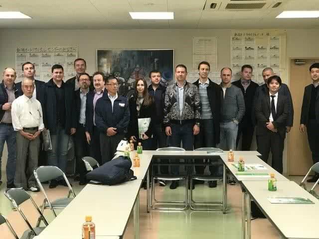 Насыщенный бизнес день делегаты завершили в Токио за ужином в национальном ресторане