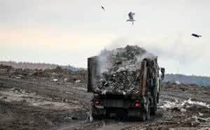 С сухим счетом за чей счет власти предлагают сэкономить на вывозе мусора