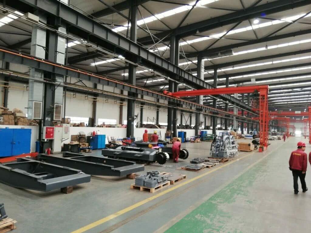 Отчет о поездках на Китайский завод по производству перегружателей «BONNY»